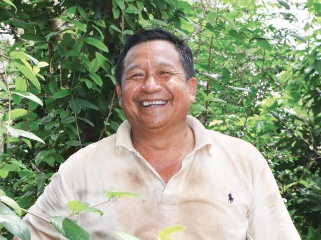 Khăm Phết Lào - Ðộc đáo một nhân cách lương y! ảnh 1