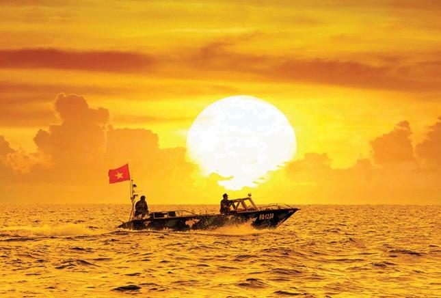 Người vẽ bản đồ nước Việt bằng ảnh ảnh 1