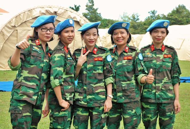 Việt Nam tham gia lực lượng giữ gìn hòa bình LHQ: Diễn tập bệnh viện dã chiến ảnh 1