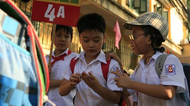 Thu BHYT học sinh, sinh viên theo mức lương tối thiểu: Phải sửa Thông tư 41 ảnh 2