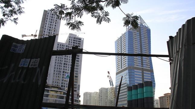 Dày đặc chung cư cao tầng giữa thủ đô: Bức bí nội đô ảnh 1