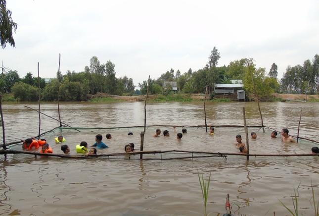 Những chuyện tử tế vùng sông nước - Bài 2: Nữ huấn luyện viên bơi U60 ảnh 2