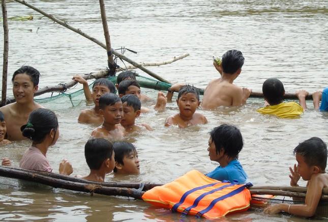 Những chuyện tử tế vùng sông nước - Bài 2: Nữ huấn luyện viên bơi U60 ảnh 1