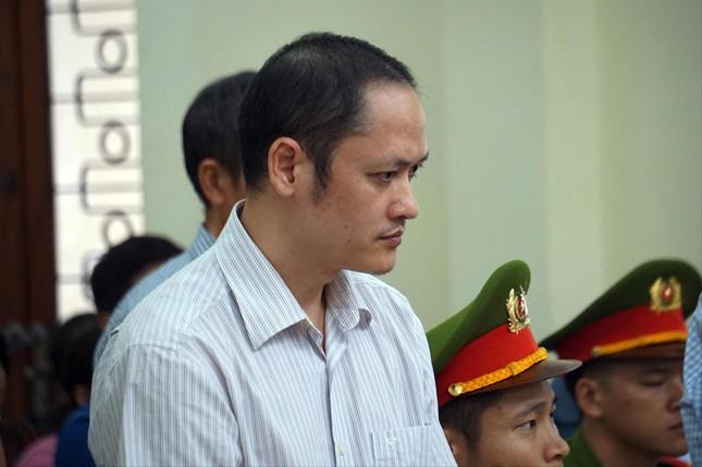Gian lận thi ở Hà Giang: Đề nghị tuyên bị cáo chủ mưu 8-9 năm tù ảnh 1