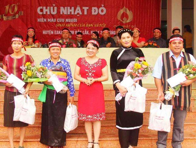 Đồng bào các dân tộc huyện Ea Kar trẩy hội hiến máu ảnh 3