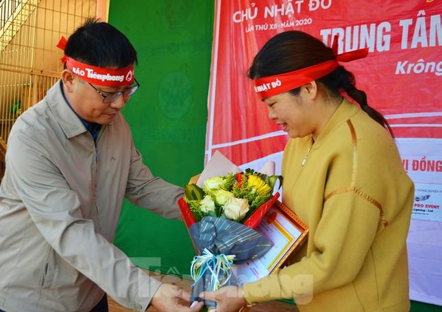 30 dân tộc anh em cổ vũ Chủ nhật Đỏ ở Krông Năng ảnh 14