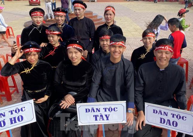 30 dân tộc anh em cổ vũ Chủ nhật Đỏ ở Krông Năng ảnh 4