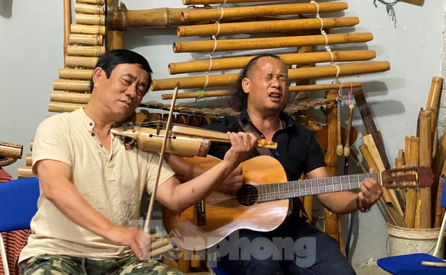 Độc lạ Violin tre và đàn Mõ bò ảnh 6