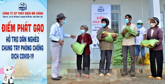Tiền Phong trên Tây Nguyên: Những chuyến trao quà, phát gạo gắn kết tình quân dân ảnh 6