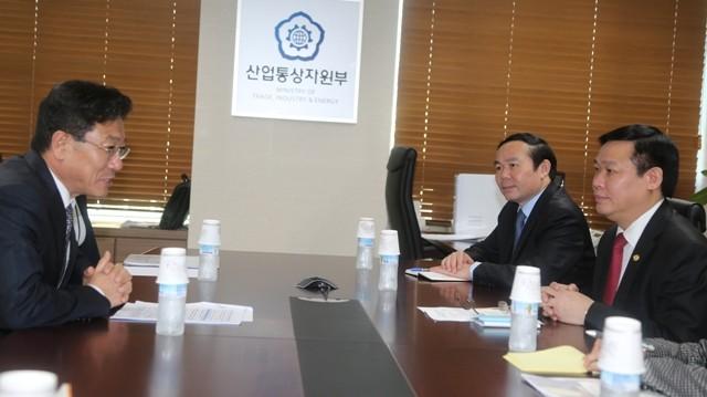 Việt Nam - Hàn Quốc sẽ ký Hiệp định thương mại tự do vào cuối năm 2014 ảnh 1