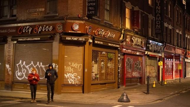 COVID-19: Hai tuần 'then chốt' của Vương quốc Anh ảnh 1