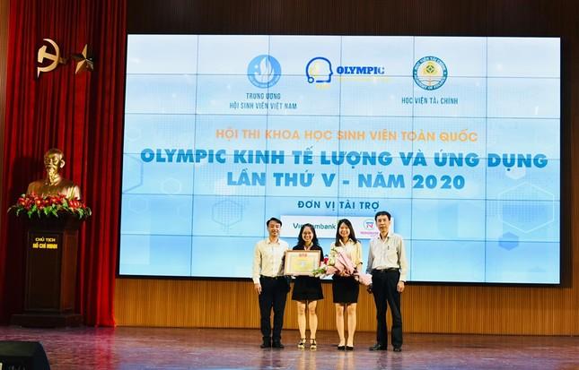 Tìm ra giải đặc biệt Hội thi khoa học SV toàn quốc 'Olympic Kinh tế lượng và Ứng dụng' ảnh 1