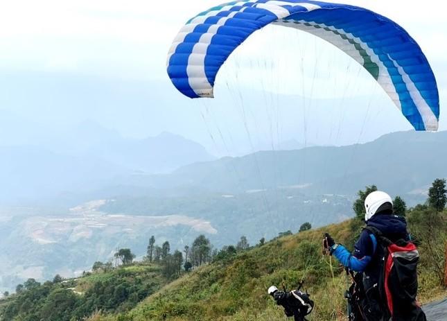 100 phi công lượn trên đỉnh Putaleng ở Lai Châu ảnh 2