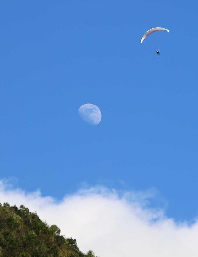 100 phi công lượn trên đỉnh Putaleng ở Lai Châu ảnh 4