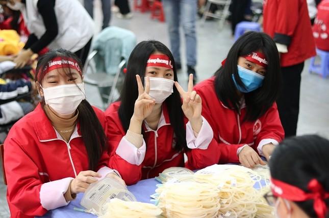 Sinh viên Đại học Y dược Thái Nguyên: Giọt máu cho đi là giọt máu còn mãi ảnh 2