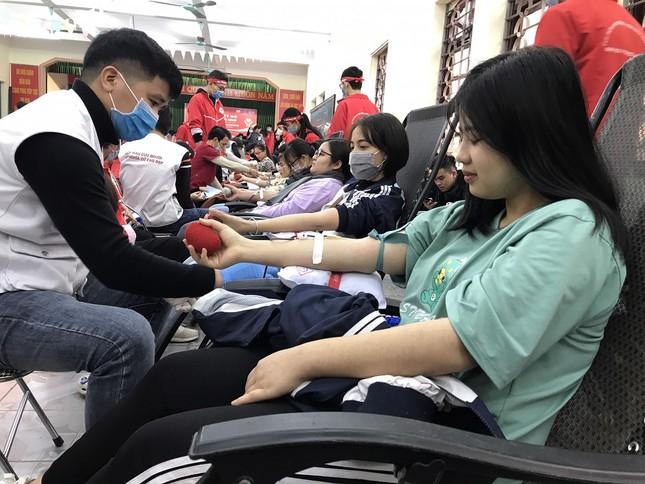 Sinh viên Đại học Y dược Thái Nguyên: Giọt máu cho đi là giọt máu còn mãi ảnh 8