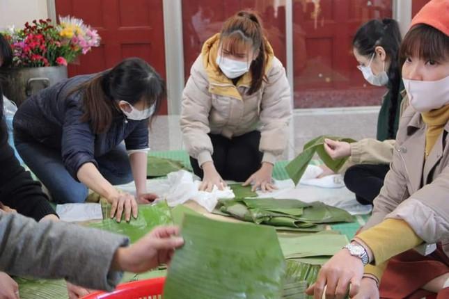 Lao động Việt Nam ở nước ngoài ăn Tết ra sao? ảnh 3