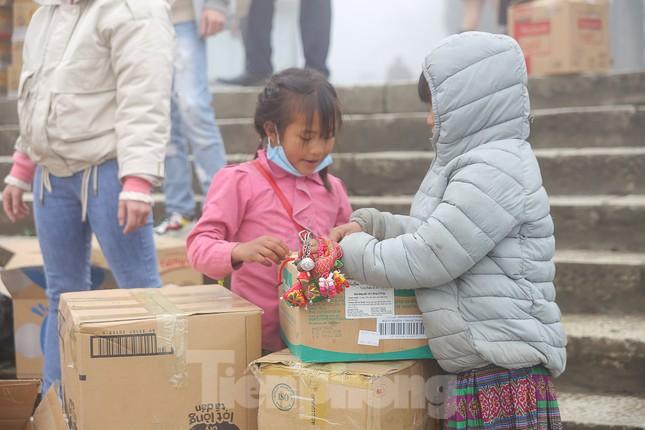 Chỉ trong 2 tiếng, ông Đoàn Ngọc Hải kêu gọi ủng hộ 30.000 hộp sữa cho trẻ em nghèo ảnh 7