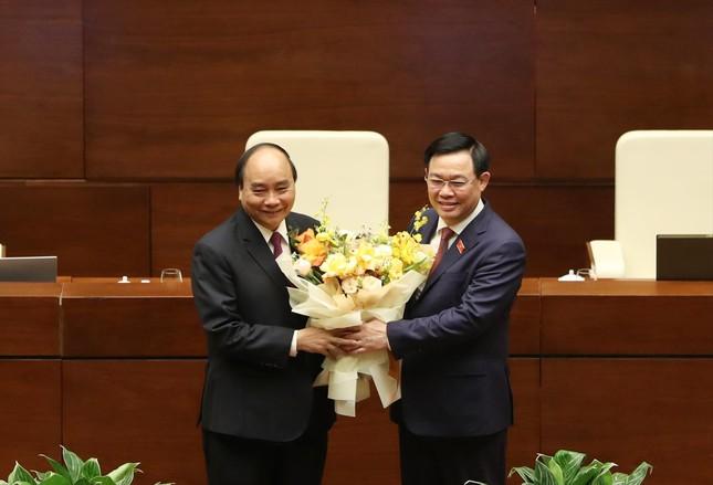 Đề cử ông Nguyễn Xuân Phúc để Quốc hội bầu làm Chủ tịch nước ảnh 1