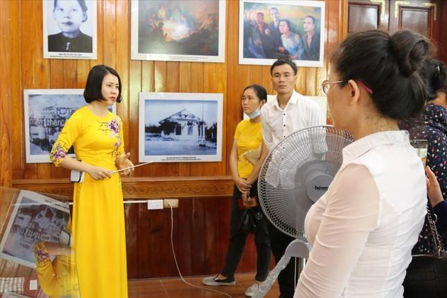 Chuyện kể ở nhà lưu niệm nhà cách mạng Nguyễn Thị Minh Khai ảnh 1