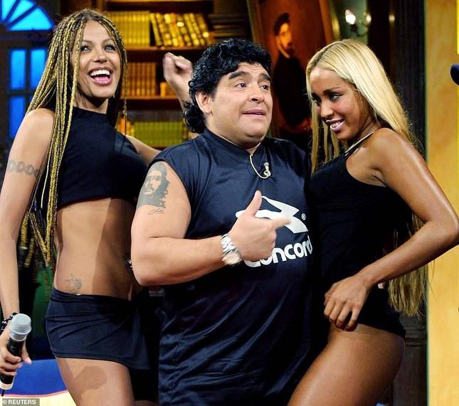 Cuộc đời đối lập của Maradona ảnh 1