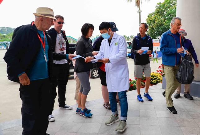 Du lịch Việt 'khóc ròng' vì corona ảnh 1