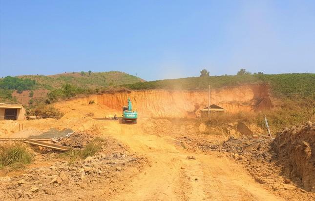 Kỳ lạ kênh dẫn nước dưới lòng đất, xã nghèo nhất Đắk Nông kêu cứu ảnh 6