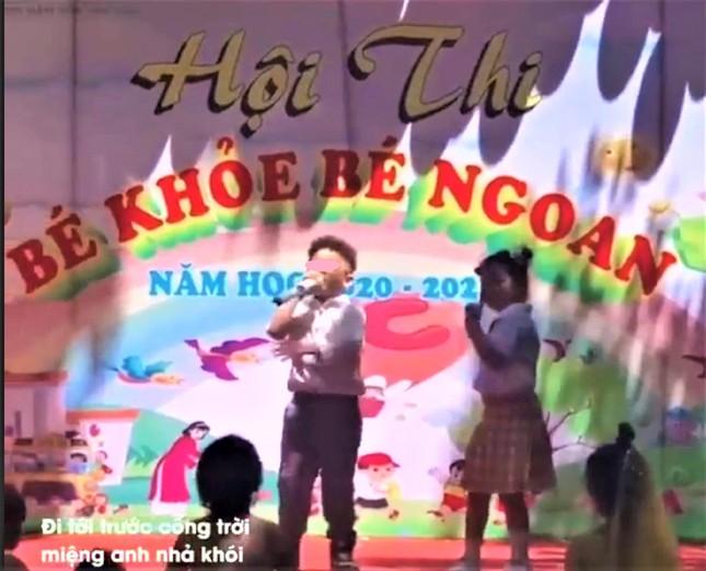 Trẻ hát rap 'địa ngục trần gian' tại hội thi bé ngoan, nhà trường nói gì? ảnh 1