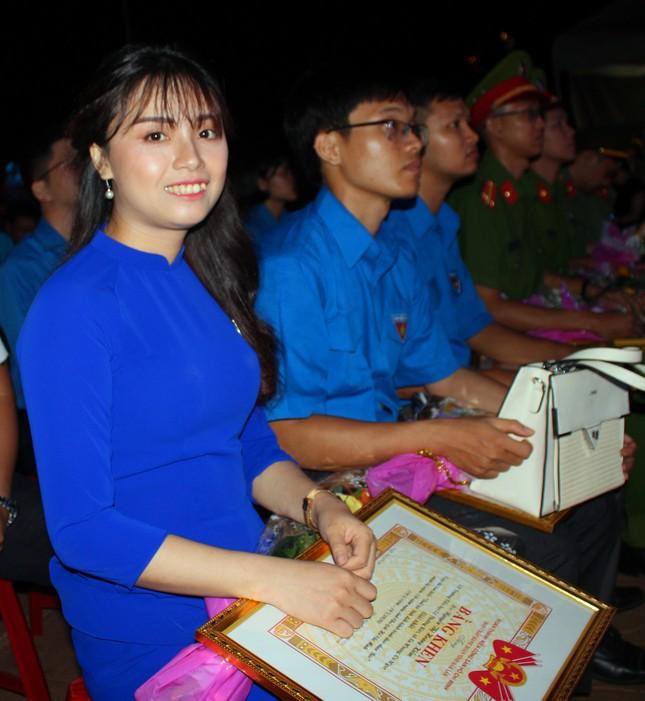 Đắk Lắk: Tuyên dương Thanh niên tiên tiến điển hình làm theo lời Bác ảnh 5