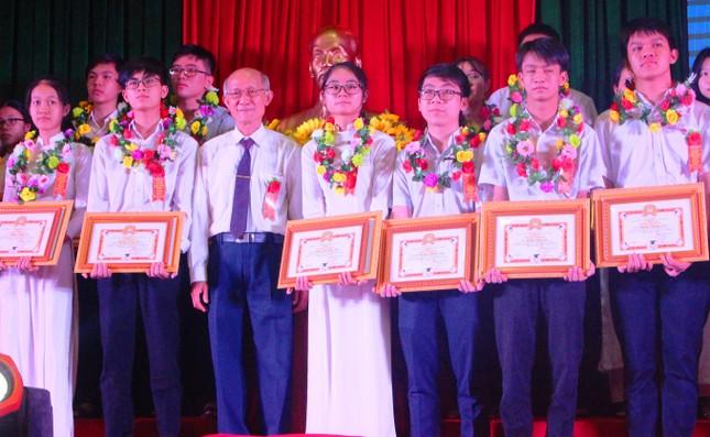 Đắk Lắk vinh danh học sinh giỏi cấp quốc gia năm học 2019-2020 ảnh 1