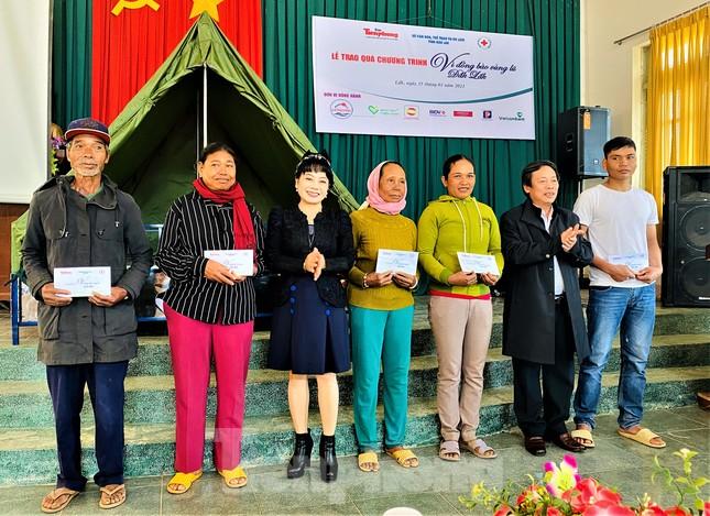 Báo Tiền Phong và tỉnh Đắk Lắk tiếp tục hỗ trợ vùng 'rốn lũ' Đắk Liêng ảnh 5
