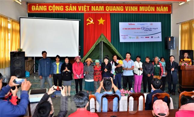 Báo Tiền Phong và tỉnh Đắk Lắk tiếp tục hỗ trợ vùng 'rốn lũ' Đắk Liêng ảnh 3