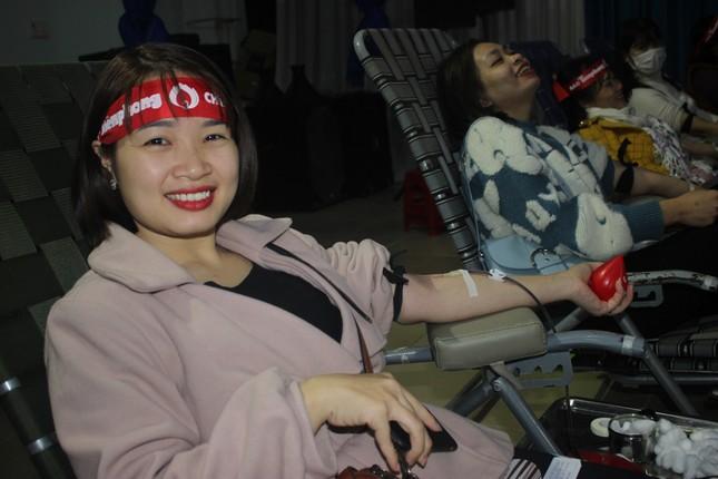 Nữ sinh M'đrắk đánh dấu tuổi 18 bằng cách hiến máu ảnh 9