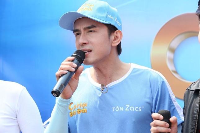 'Anh Bo' Đan Trường tái hiện 5 hit 'khủng' mang về hơn 73 triệu đồng cho người nghèo ảnh 3