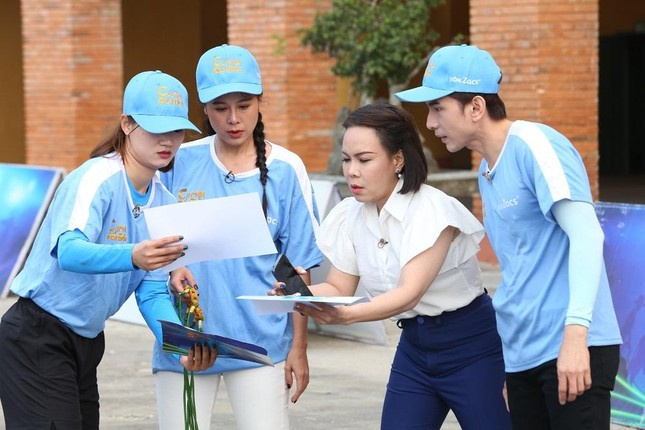 'Anh Bo' Đan Trường tái hiện 5 hit 'khủng' mang về hơn 73 triệu đồng cho người nghèo ảnh 1