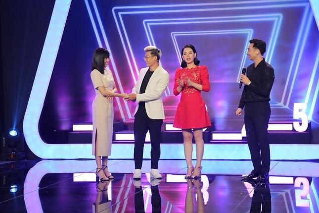 Thiên Vương (MTV) khiến khán giả bất ngờ với 'nghề tay trái' bắt mạch, bấm huyệt ảnh 2