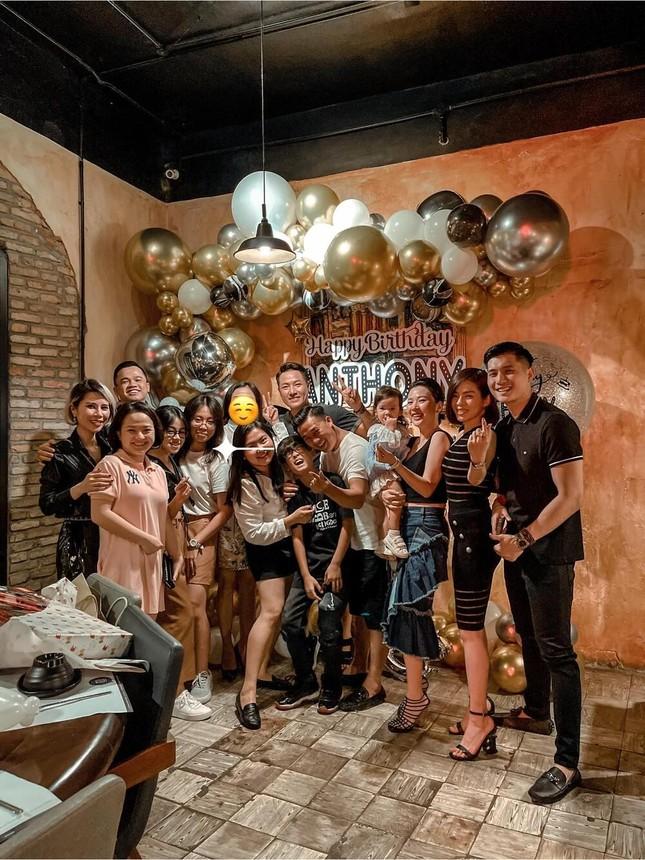 Showbiz 4/4: Lệ Quyên cùng Lâm Bảo Châu tổ chức sinh nhật cho con trai ảnh 1