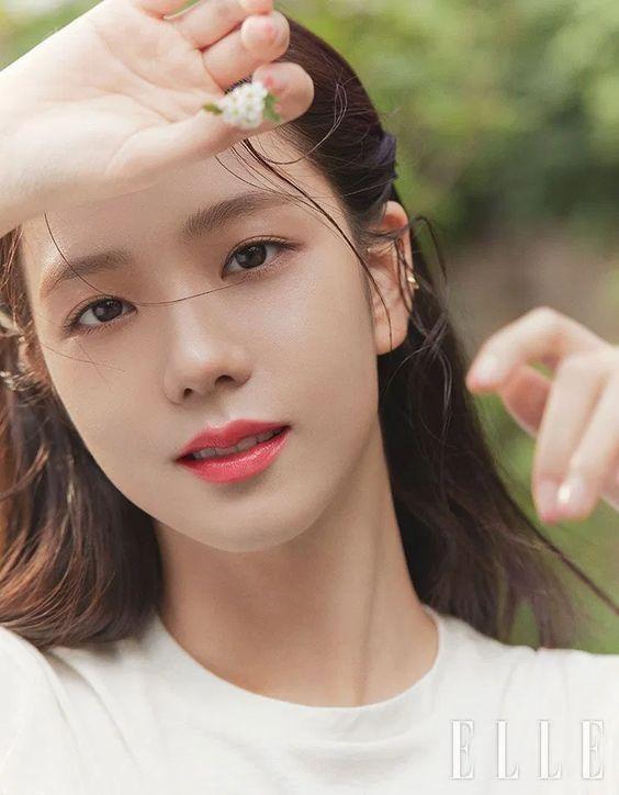 Tranh cãi nhan sắc của Jisoo (Blackpink) và Irene (Red Velvet) ảnh 2