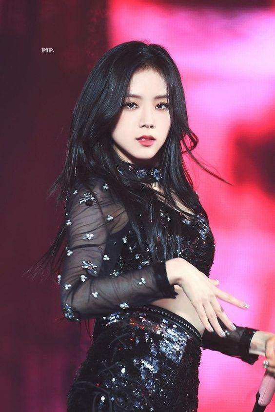 Tranh cãi nhan sắc của Jisoo (Blackpink) và Irene (Red Velvet) ảnh 4
