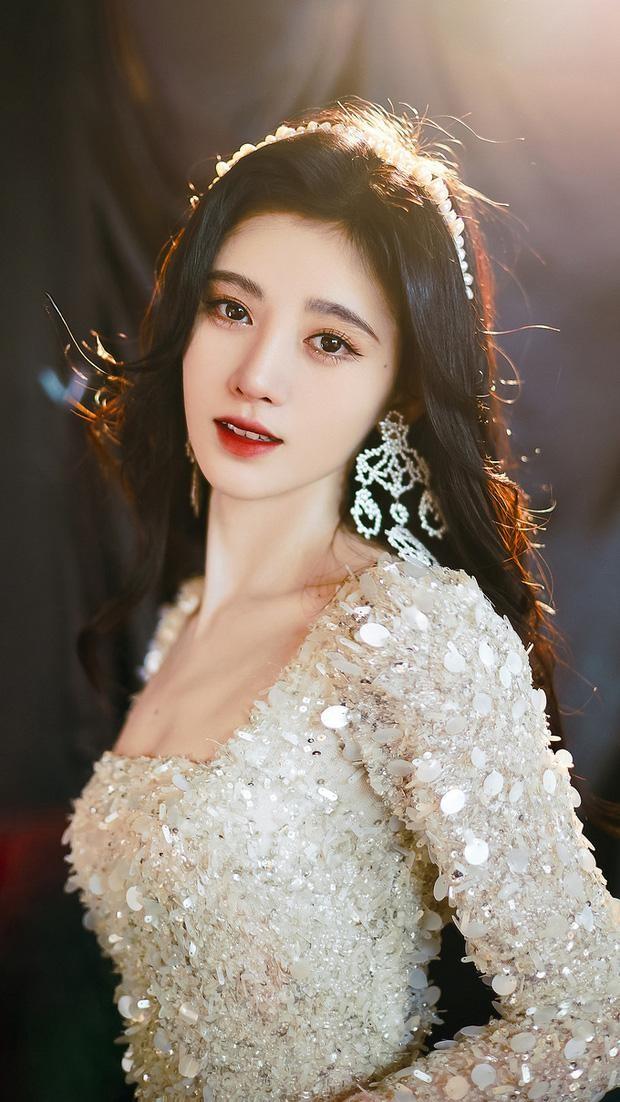 Park Min Young, Cúc Tịnh Y: 'Vịt hóa thiên nga' thành công nhất showbiz Hàn, Trung ảnh 12