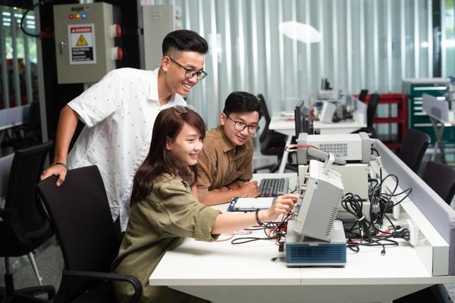 Cuộc thi 'Sáng kiến công nghệ TechGenius': Cơ hội chinh phục công nghệ 4.0 ảnh 1