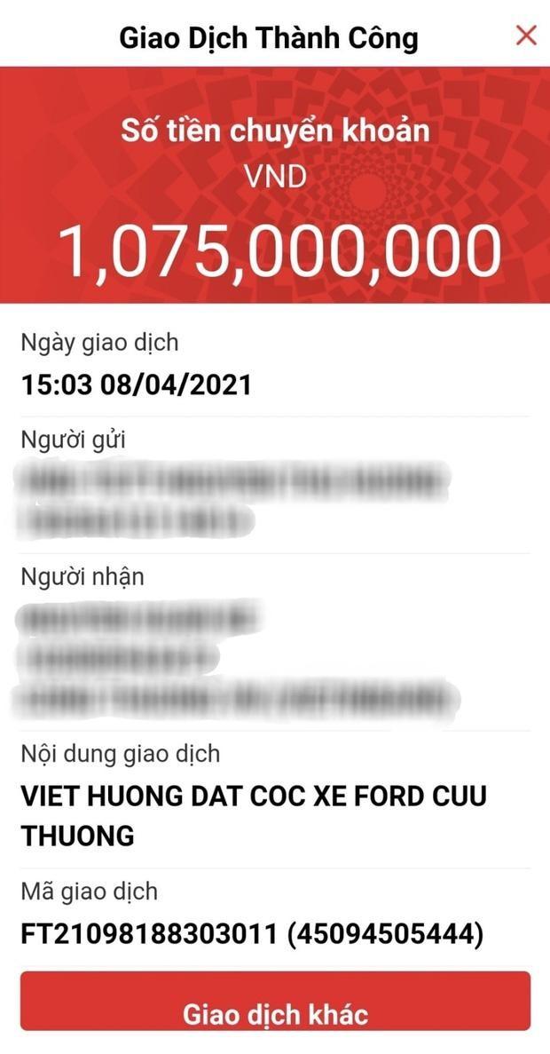 Khán giả xúc động khi Việt Hương đặt cọc 1 tỷ đồng xe cứu thương tặng ông Đoàn Ngọc Hải ảnh 1