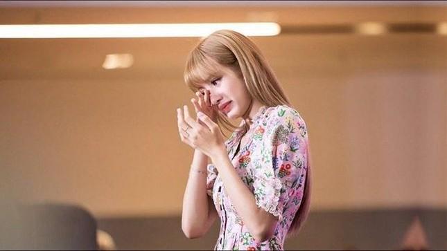 Hình ảnh nóng bỏng của Lisa (Blackpink) trong màn vũ đạo mới ảnh 9