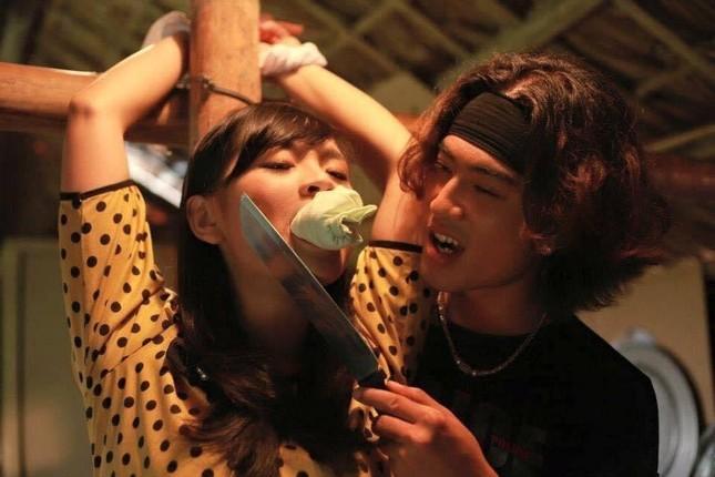 Chân dung người đàn ông đầu tiên hôn Hồng Diễm trên màn ảnh làm Hồng Đăng 'tiếc hùi hụi' ảnh 9