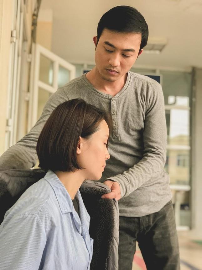 Chân dung người đàn ông đầu tiên hôn Hồng Diễm trên màn ảnh làm Hồng Đăng 'tiếc hùi hụi' ảnh 3