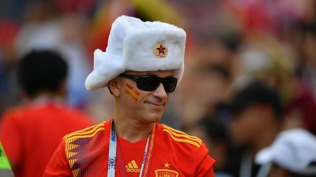 Thắng nghẹt thở Tây Ban Nha bằng 'đấu súng', Nga tiến vào tứ kết ảnh 6