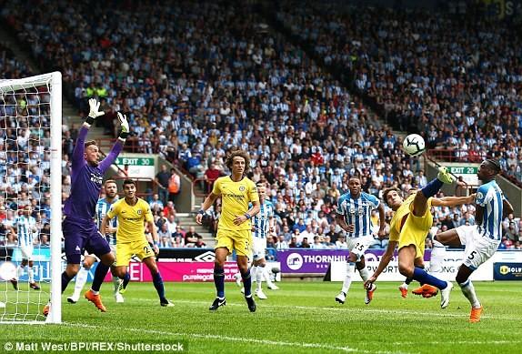 Thắng '3 sao' trận ra quân, Chelsea lên ngôi đầu Ngoại hạng Anh ảnh 14