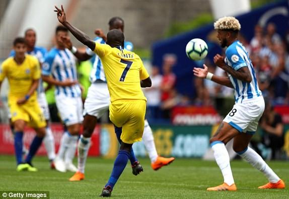 Thắng '3 sao' trận ra quân, Chelsea lên ngôi đầu Ngoại hạng Anh ảnh 10