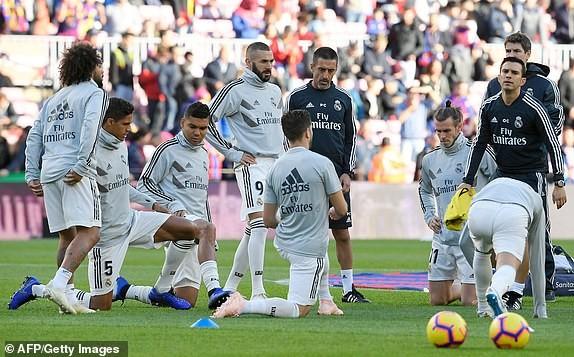 Suarez lập hat-trick, Barcelona vùi dập Real Madrid ở Siêu kinh điển ảnh 2