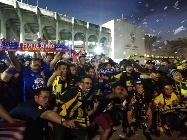 Malaysia ngoan cường vượt Thái Lan vào chung kết AFF Cup ảnh 16